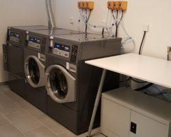 Prádelna v moderním bytovém domě v Plzni
